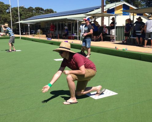 barefoot bowls team event